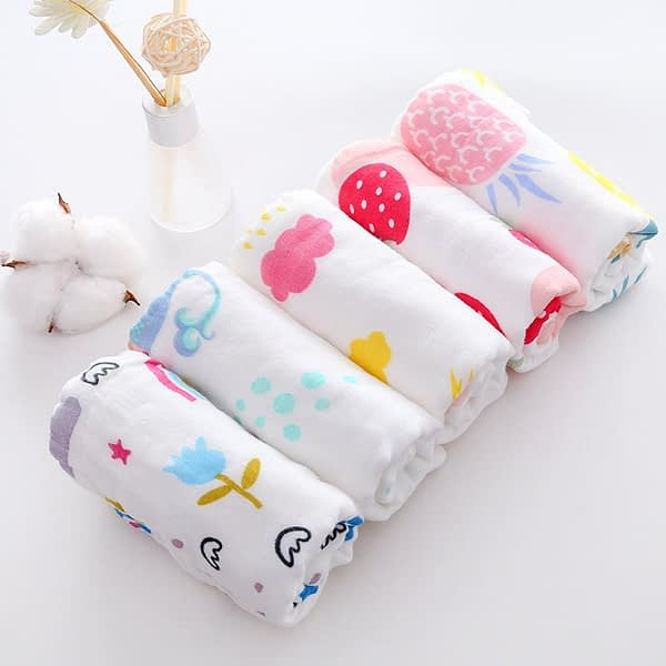 pack of 5 cartoon print muslin squares for baby